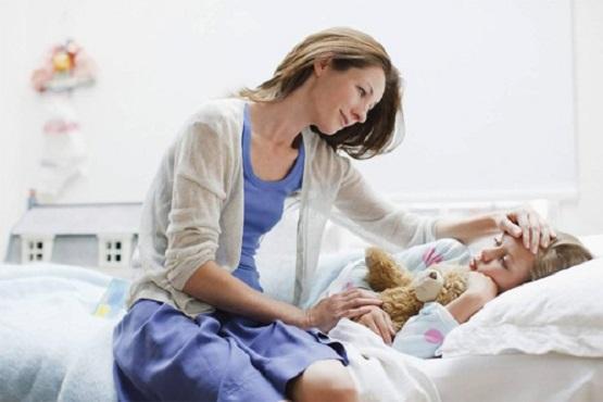 Chăm sóc và điều trị khi trẻ bị sốt phát ban 1