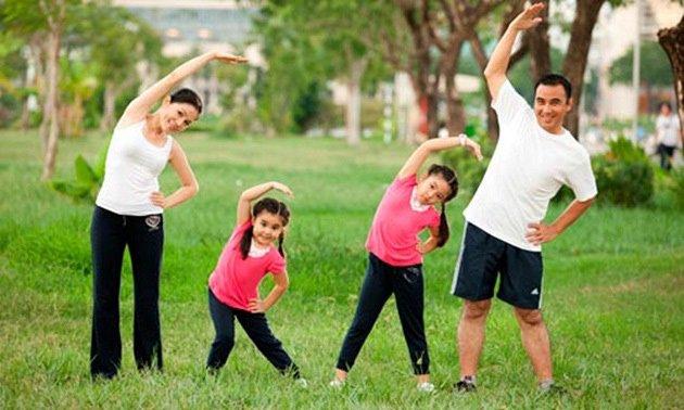 3. Tăng thời gian hoạt động thể chất và hạn chế con xem tivi 1