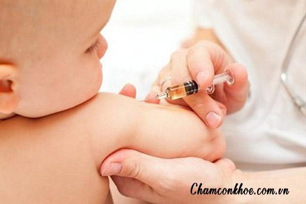 Tiêm vắc xin cho trẻ đầy đủ, đúng thời hạn 1