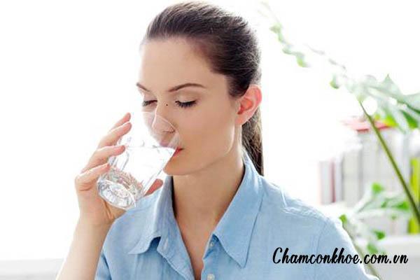 Bổ sung ít nước cho cơ thể 1