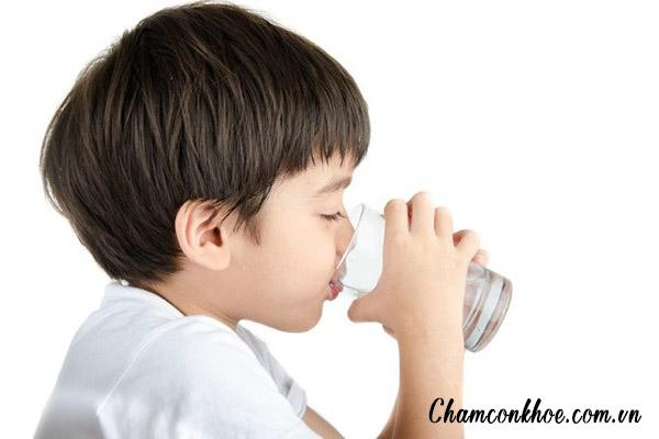 Uống nhiều nước 1