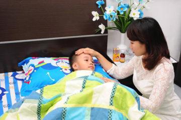 Trẻ bị sốt virus nên ăn gì, kiêng gì để nhanh khỏe?