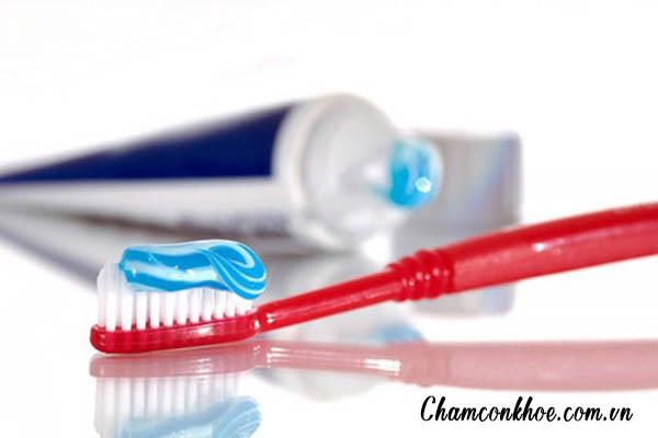 Bàn chải đánh răng thô cứng 1